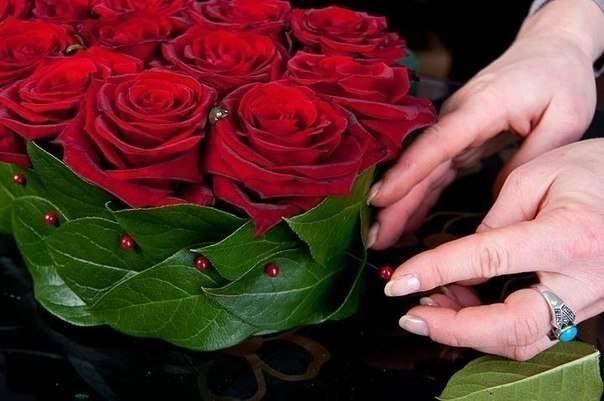 Букет из роз и клубники 5