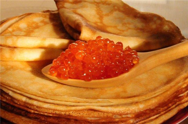 Блины — традиционное блюдо на Масленицу