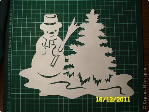 Как сделать из бумаги снеговика на окно 92