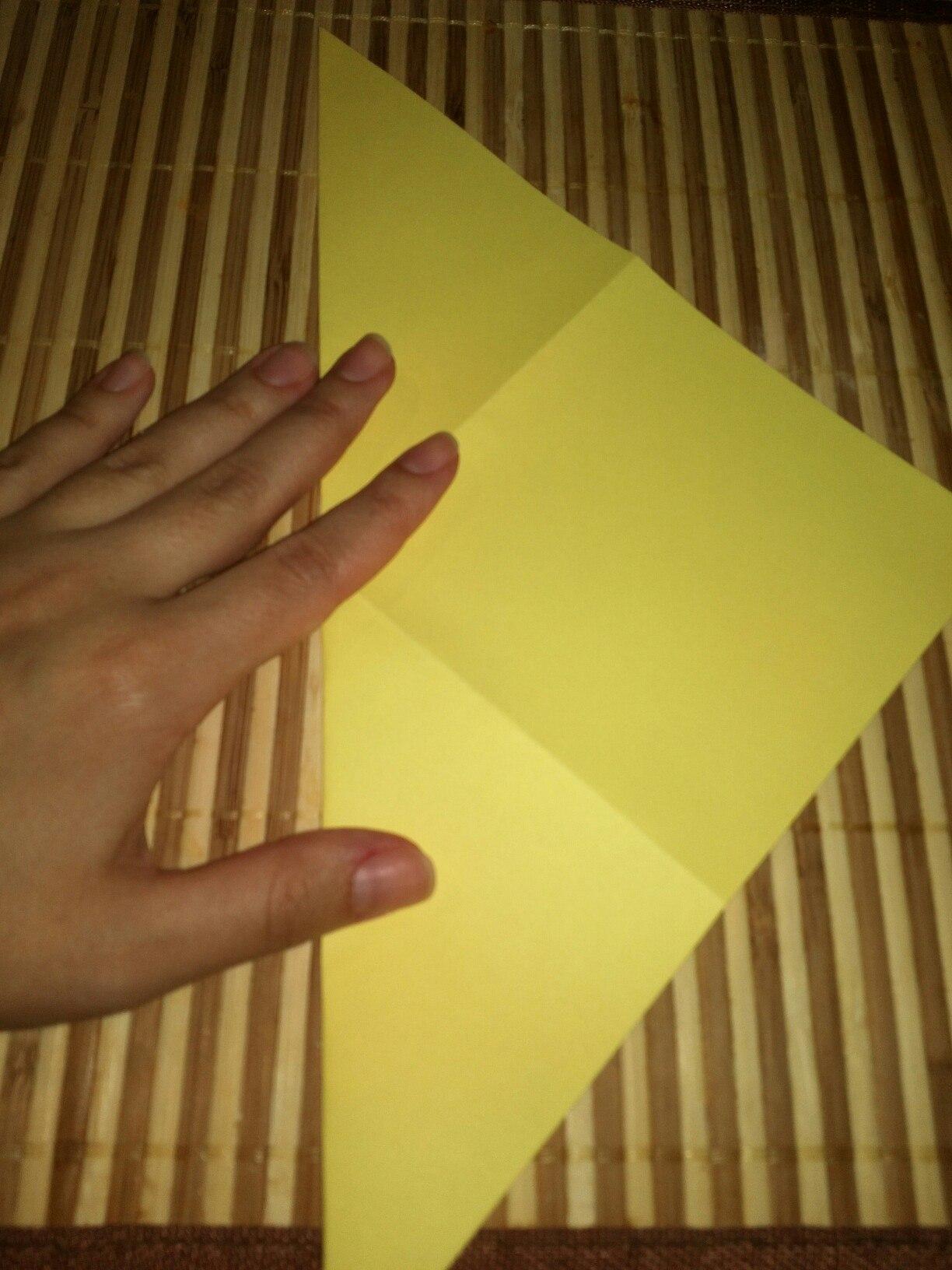 Как сделать лист бумаги квадратным